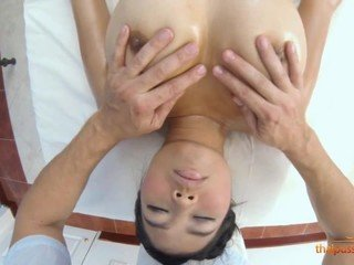 Hot girl Sanouk gets erotic massage